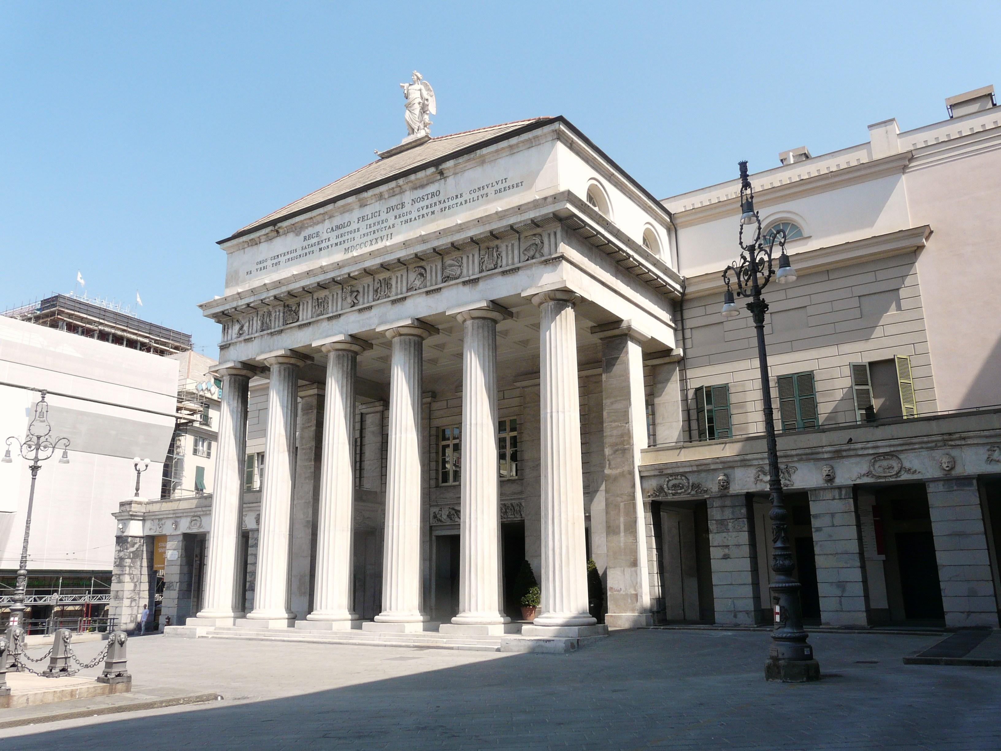 1444295048genova-teatro_carlo_felice-pronao.jpg
